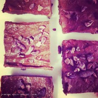 Banana choc fudge squares https://naturalhealthconsciousliving.com/2015/04/27/banana-chocolate-fudge-squares-raw-vegan-gf/