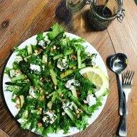 Asparagus, rocket & almond salad https://naturalhealthconsciousliving.com/2016/09/15/asparagus-rocket-almond-salad/