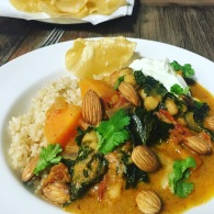 Sweet potato, cannellini & kale curry https://naturalhealthconsciousliving.com/2016/09/30/sweet-potato-cannellini-kale-curry/