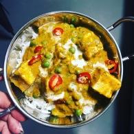 Paneer butter masala with spinach + peas https://naturalhealthconsciousliving.com/2019/03/14/paneer-butter-masala-with-spinach-peas/